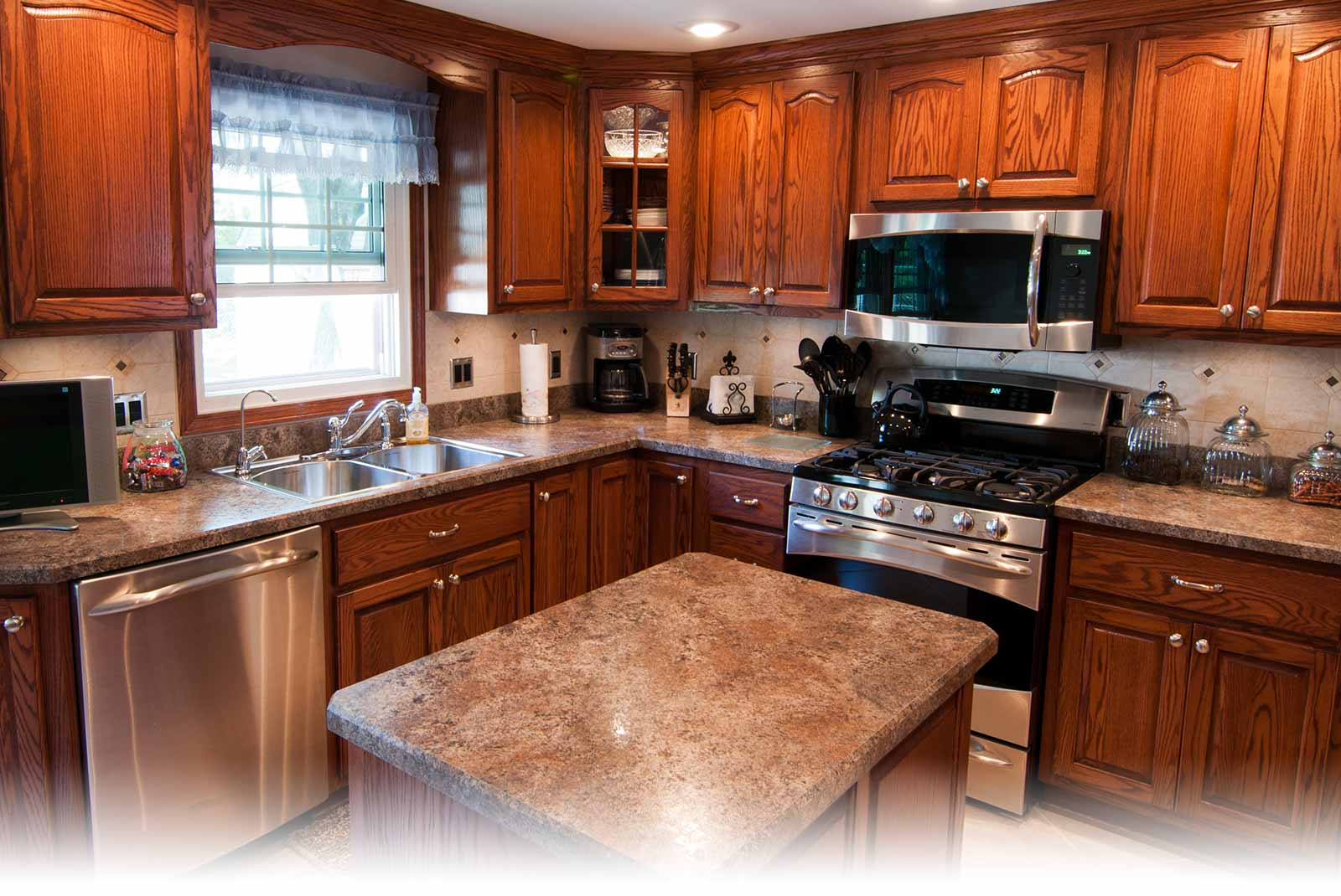Orland Park Remodeling Designs Custom Kitchens Built In Cabinets For Homes And Offices Countertops Bathroom Remodels And Tile For Bathrooms And Fireplaces